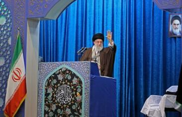 خطبةُ الجمعة في إيران.. تديين السِّياسة وتسييس الدِّين