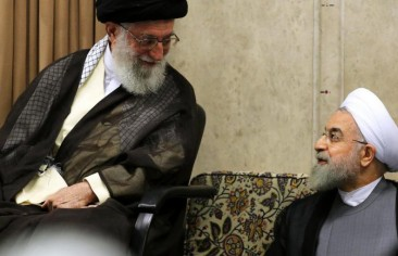 Why did Khamenei turn to Banisadr?