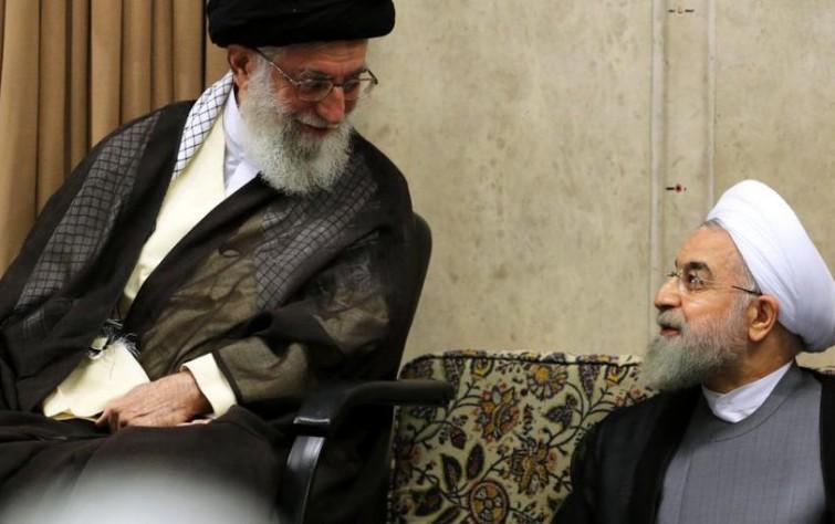 Why did Khamenei turn to Banisadr?