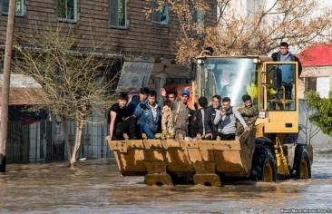 A Manifestation of 'Heyati' Management in the Iranian Flood Crisis