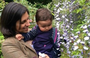 نازنین زاغری رتکلیف، شهروند بریتانیایی ایرانی در فرودگاه تهران بازداشت شده است