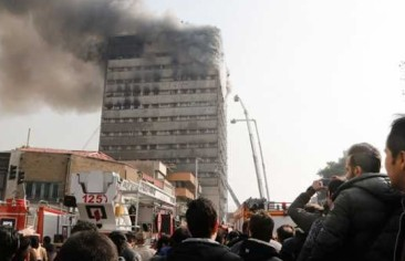ولايتي يخلف رفسنجاني في رئاسة جامعة (أزاد).. و٣٠٠٠ مبنى في طهران آيل للسقوط