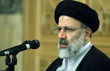 """صحفي إيراني: مَن يجمع التوقيعات لترشيح """"رئيسي""""؟"""