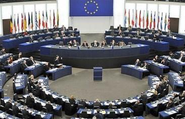 مطالبات أوروبية بوضع الحرس على القائمة السوداء.. وانحدار مكانة سوق الاستثمار الإيرانية