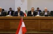 إيران ترفض الحوار مع أمريكا وتعد بتدمير داعش قريبا