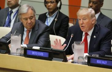 ترامب: طهران تزعزع السلام.. وظريف يرد: أنت جاهل