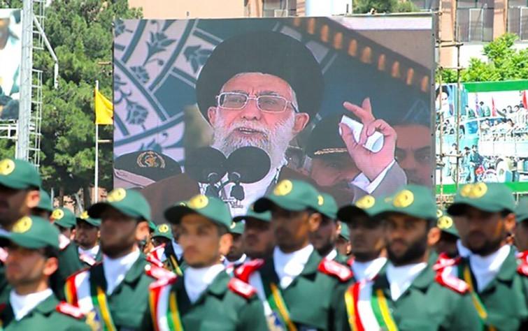الدولانية والسلطوية الإيرانية