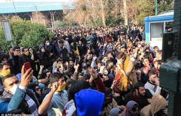 الشتاء الفارسيّ.. إيرانيّون غاضبون وظروف اقتصادية خانقة