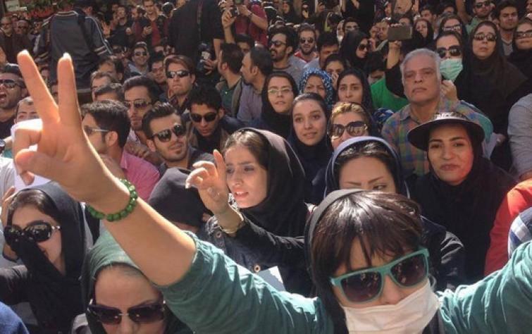 ارتفاع في عدد القتلى.. وروحاني يرحب بالاحتجاجات وفق الدستور