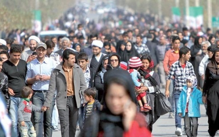 استطلاع يكشف تزايد الإحباط بين الإيرانيين
