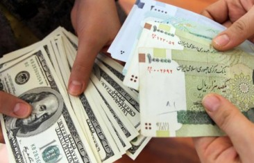 روحاني يطعن أنصاره بالعملة الصعبة في ظهورهم