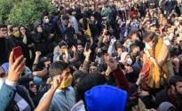 الإيرانيون يتظاهرون أمام حوزة رجال الدين… قراءة في السياقات والدلالات