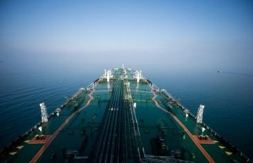 ترامب ينتصر: العقوبات تخنق صادرات النفط الإيرانية