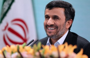 أحمدي نجاد يعمل جاهدًا ليكون الرئيس الإيراني القادم