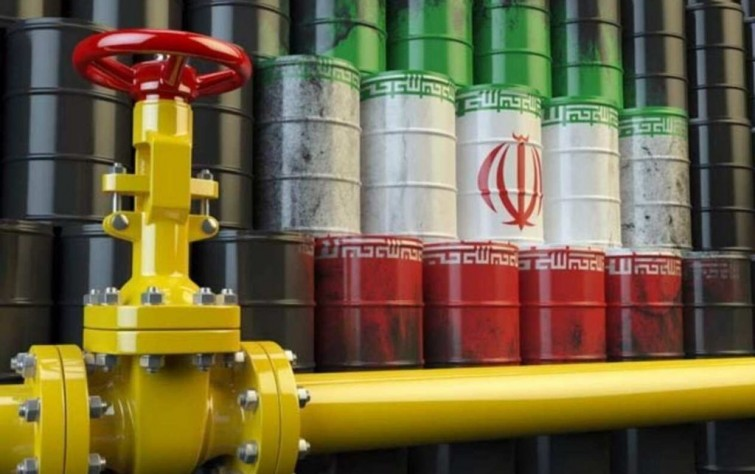 إستراتيجية صارمة.. أبعاد إلغاء الإعفاءات الأمريكية على صادرات النِّفط الإيراني
