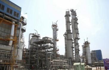 حسابات معقدة.. إيران وخيارات التعامل مع استراتيجية تصفير صادرات النفط