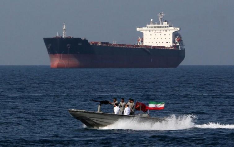 مخاطر سيطرة الحرس الثوري الإيرانيّ على موانٍ بالساحل السوري ومدى فاعلية استراتيجيَّة الضغوط القصوى الأمريكيَّة