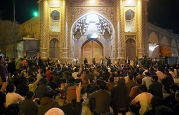 بالخرافات والأساطير يتنصَّل النظام الإيراني مِن المسؤولية