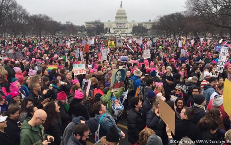 الاحتجاجاتُ الأمريكية وتناقضاتُ الموقف الإيراني