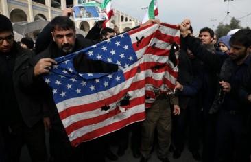بعد سليماني.. إيران تتصادم مع الولايات المتحدة وتواجه انتكاساتٍ في العراق