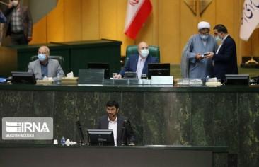 البرلمان يرفض منح الثقة للمرشح لمنصب وزير الصناعة.. ومسؤول يعلن تمديد قيود «كورونا» في طهران