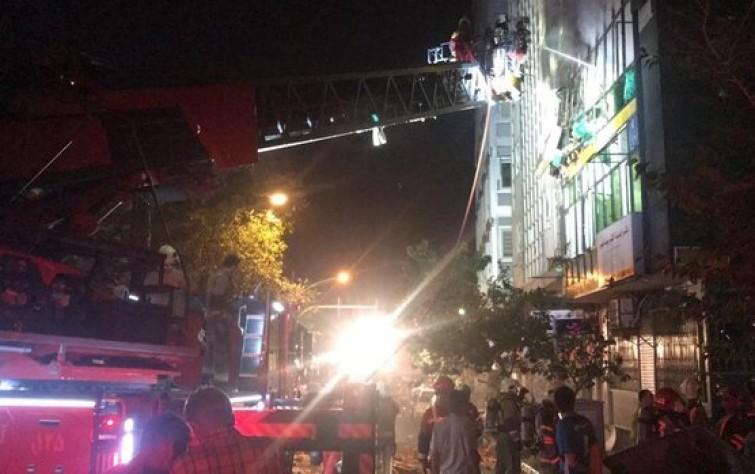 عضو بمجلس العاصمة: طهران تتحوّل إلى مركز لانتقال «كورونا».. وحريق وانفجار بمبنى عاصمي وفي عربة الديزل لقطار طهران – بندر عباس