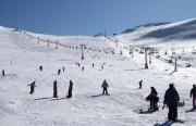 10 وفيات في انهيارٍ جليدي بأحد مرتفعات طهران.. وغرق سفينةٍ قرب جزيرة لارك بمحافظة هرمزجان