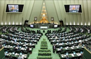 «الإصلاحيون» الإيرانيون يواجهون «معركةً صعبة» في سباق الرئاسة