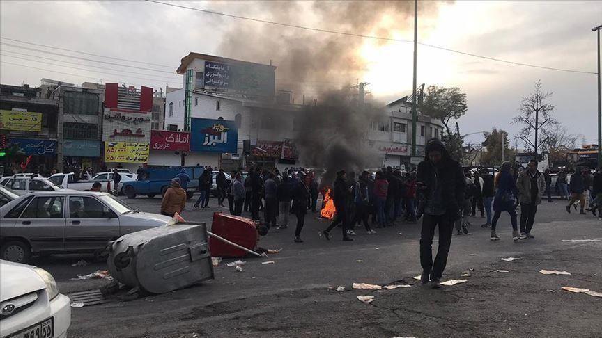 رابطة الكُتّاب: حكموا بإعدام 3 من محتجِّي نوفمبر لمنعِ الاحتجاجات المُحتملة