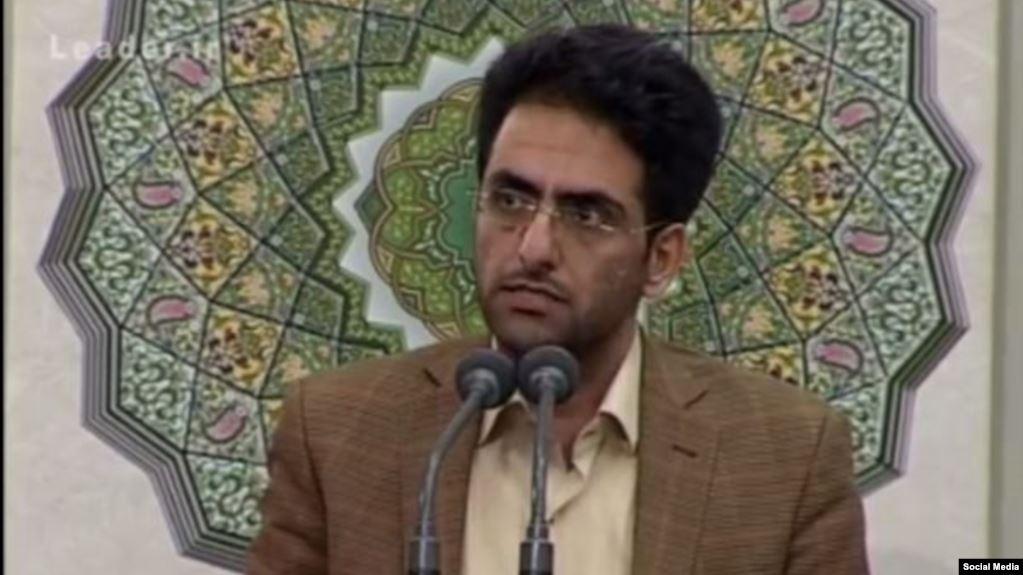 الحُكم على محامٍ إيراني بإجراء 60 زيارةً إلى شيراز بتُهمة إهانة المرشد