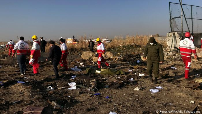 حُكمٌ بتعليق دراسة 20 طالبًا لمشاركتِهم في تأبينٍ لضحايا الطائرة الأوكرانية