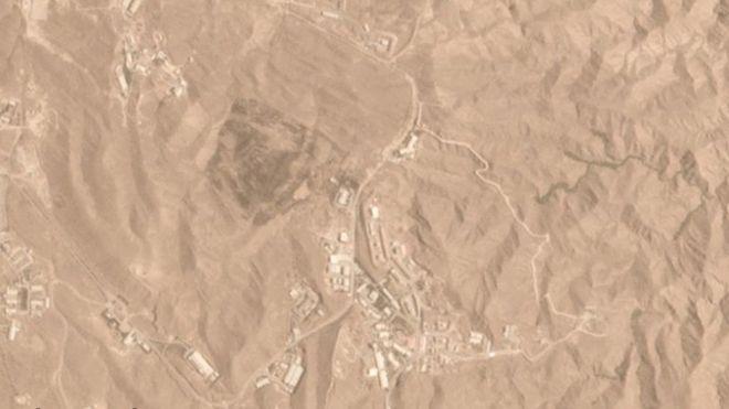 انفجارٌ في مستودع صواريخ يضيء طهران.. ووفاة 3 نشطاء بيئيين في حريقٍ بمحمية