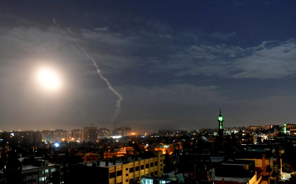 غارةٌ إسرائيلية تقتل 6 من الميليشيات التابعة لإيران شرقَ سوريا