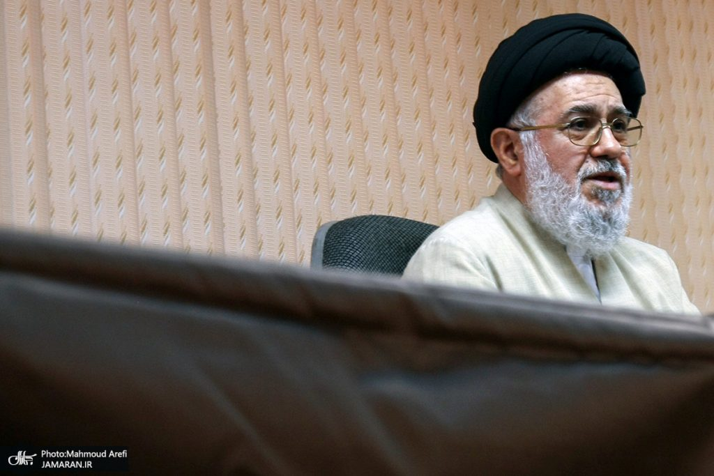 خوئيني لخامنئي: الشعب الإيراني لا يثق في إدارة البلاد ولا يؤمن بها