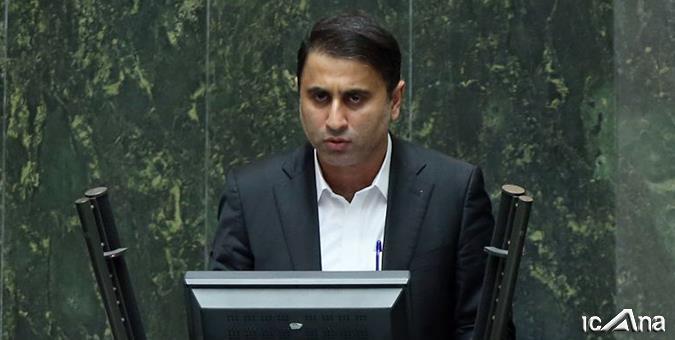 برلمانيٌ يخاطب روحاني: لماذا لا تسمع صرخات أهالي سيستان وبلوتشستان؟