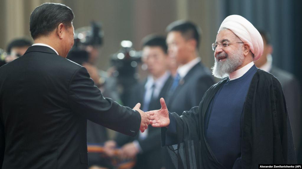 نجاد ينتقد اتفاقية حكومة روحاني مع الصين لمدَّة 25 عامًا هل أنت مالكٌ الدولة؟