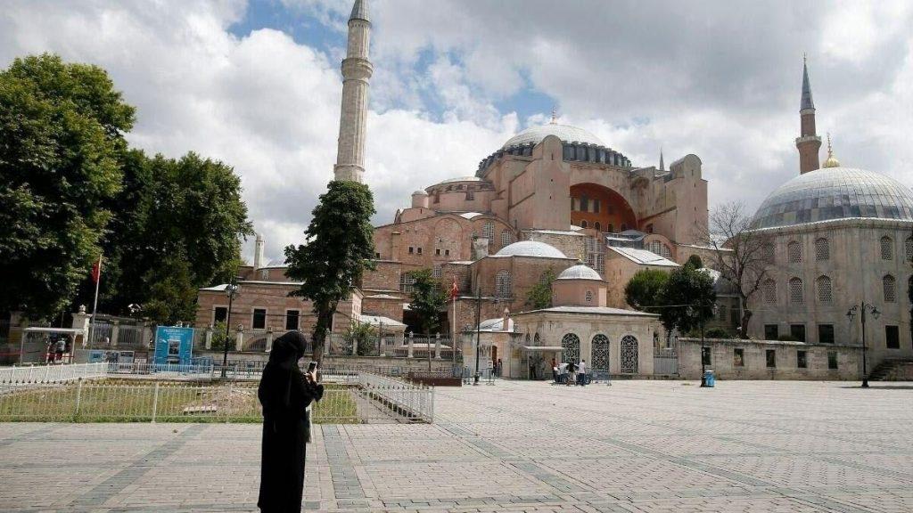 إلغاء جميع رحلات طهران - إسطنبول