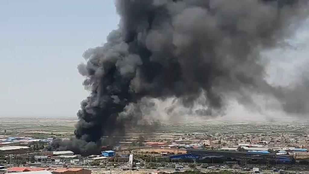 المتحدث باسم الإطفاء في تبريز: احتواء حريق وحدة طباعة السلوفان بالمدينة