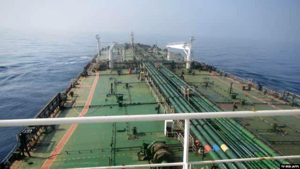 «رويترز»: 120 مليون برميل احتياطي النفط الإيراني غير المباع