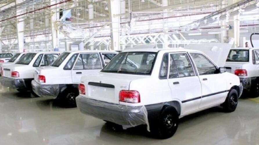 استمرار ارتفاع أسعار السيّارات في إيران رغم وعود المسؤولين بإنهاء اضطراب السوق