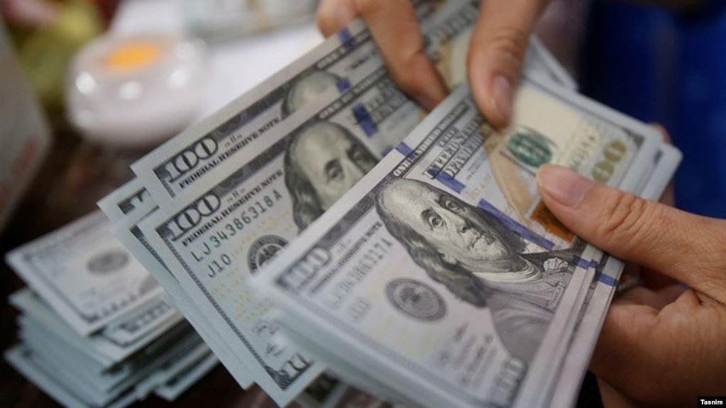 وسائل إعلام: الدولار يصل إلى 26000 تومان