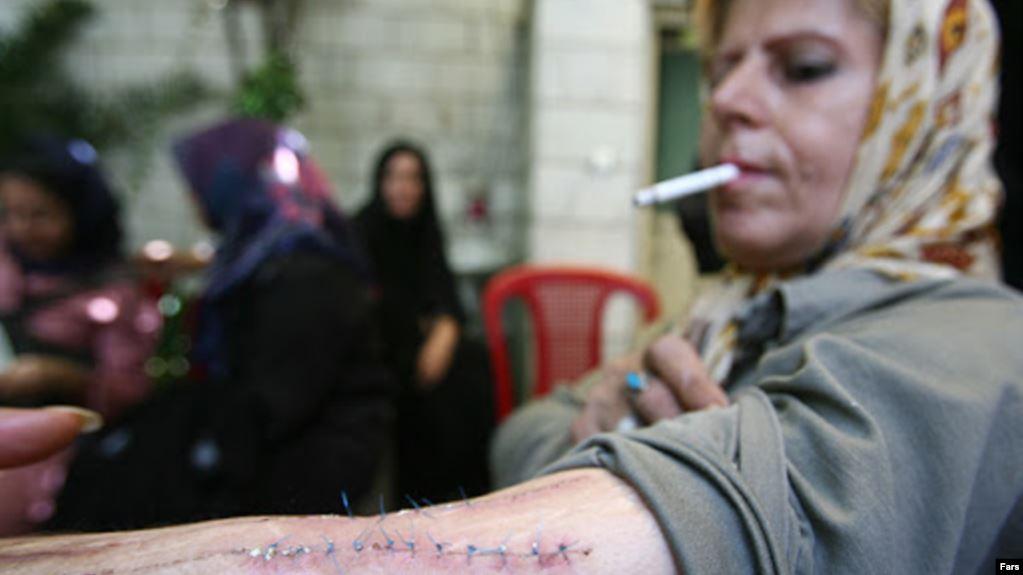 ارتفاع مراجعة النساء المشرَّدات لمراكز النقاهة في طهران بنسبة 20%