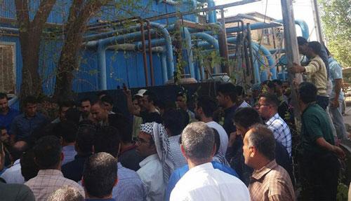 استمرار تجمُّع عُمّال مصنع زمزم في تبريز
