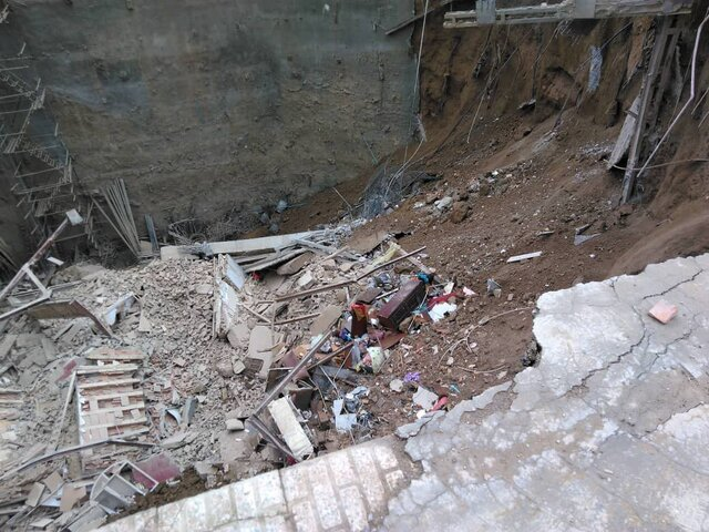 دفن-عدة-أشخاص-في-انهيار-مبنى-ووفاة-شخص-بحريق-في-طهران.